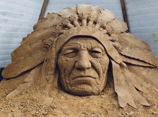 Indián fej homokból, Kép: Monostori