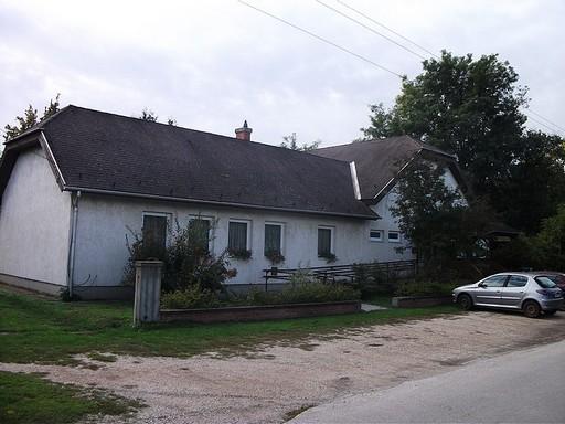 Agárd, közösségi ház, Kép: wikimedia