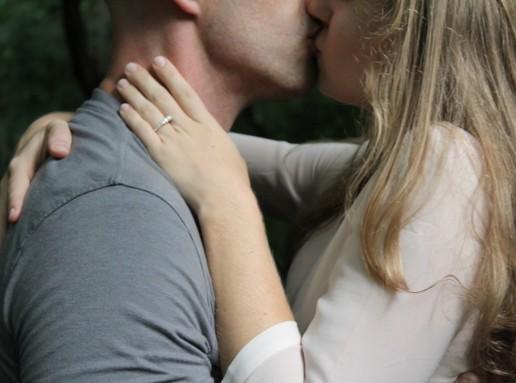 Csókolózó pár, semleges, Kép: publicdomainpictures