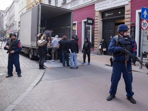 Rendőrök vigyázzák az inka kincseket, Kép: sajtóanyag