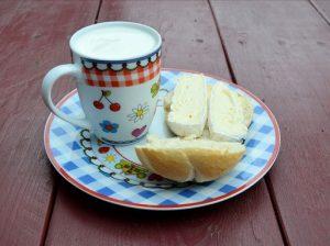 Reggeli a kockás tányéron, Kép: pixabay