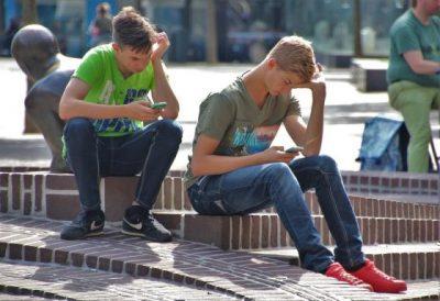 Srácok interneteznek, Kép PP-archív
