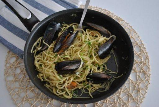 Fokhagymás fekete kagyló, Kép: receptguru.cafeblog.hu