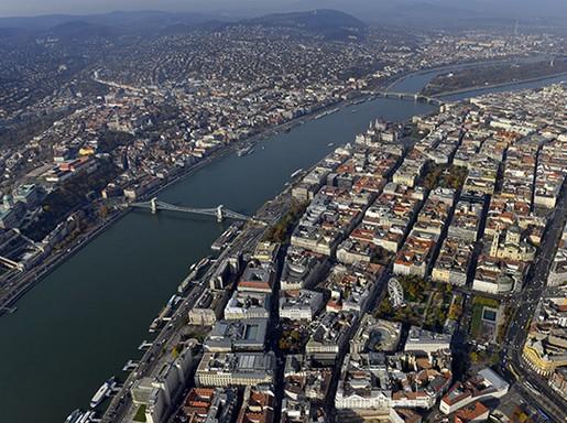 Budapest és a Duna madártávlatból, Kép: wikipedia