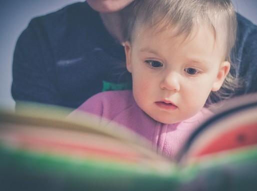Mesét hallgat a gyerek, Kép: Budai Egészségközpont