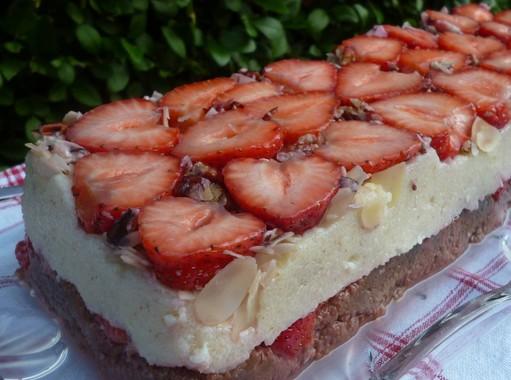 Tejbegrízes epres süti, Kép: Pammer Lívia