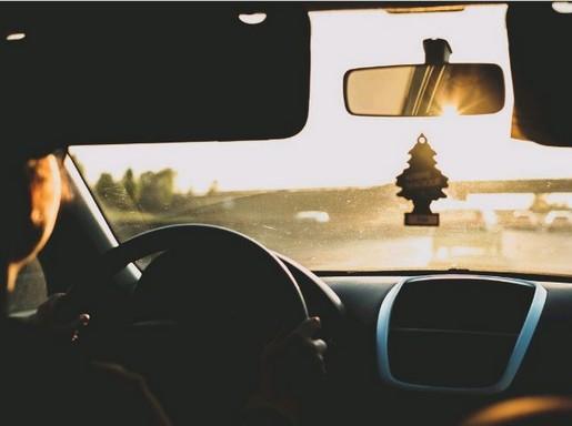 Autóbelső, kirándulás, Kép: pxhere