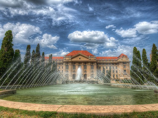 Debreceni Egyetem, Kép: wikipedia