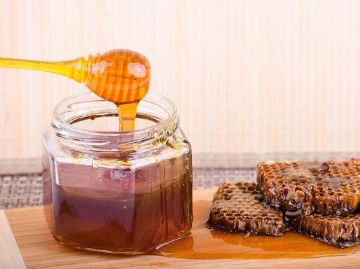 Mézes üveg és lép, Kép: pixabay