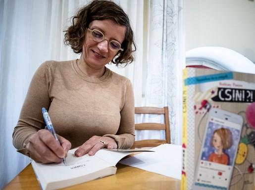 Balázsy Panna dedikál, Kép: sajtóanyag