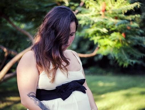 Terhes kismama, majdnem semleges, Kép: pixabay