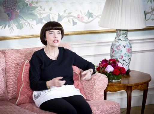 Mireille Mathieu interjút ad, Kép: sajtóanyag