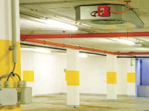 Oszlopok egy teremgarűzsban, Kép: wikipedia