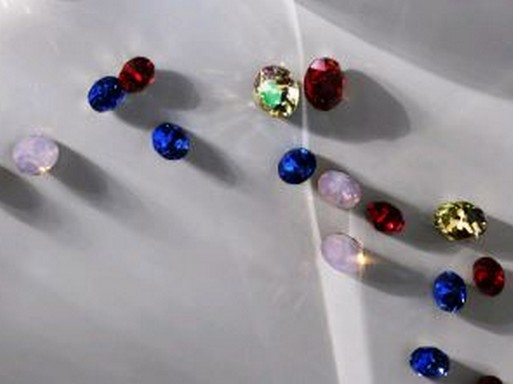 Divatszínek kristályokból, Kép: CND