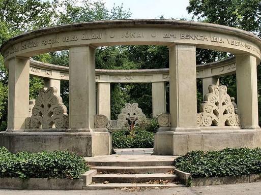 Jókai Mór síremléke, Kép: wikipedia