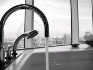 Vízcsap, a víz folyik, Kép: pxhere