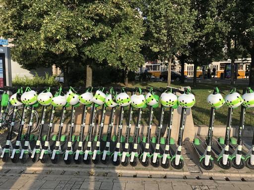 E-rollerek a Gellért téren, Kép: Arányi Emese