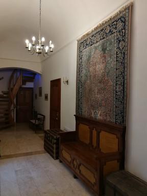 Gobelin a Prónay-kastély folyosóján, Kép: László Márta