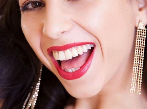 Mosolygó női fogsor, Kép: pixabay.com