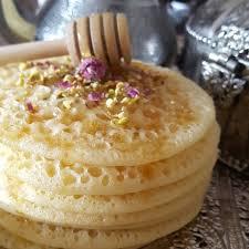 Marokkói reggeli: baghrir, az ezerlyukú palacsinta